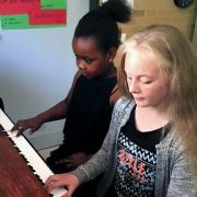 Klavierspielen verbindet