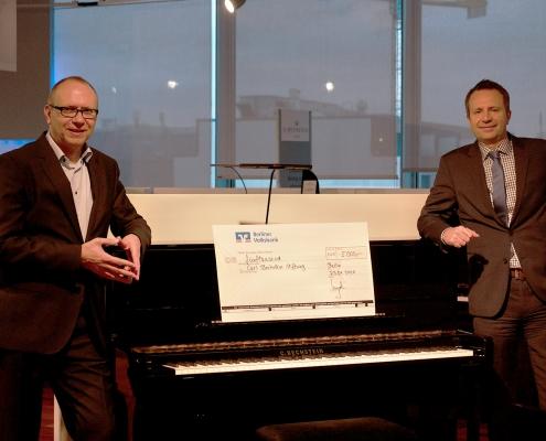 Jörg Vogel, Direktor der Berliner Volksbank, und Gregor Willmes, Vorstand der Carl Bechstein Stiftung