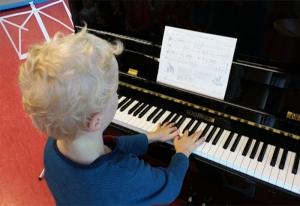 Gemeinsames Musizieren zum Nikolaus